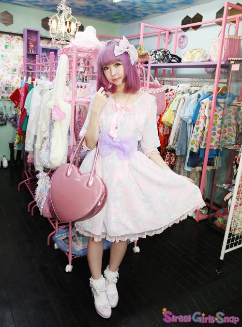 原宿系ファッションの女の子・男の子から大人気な「ヨシダビーズ」のアクセサリーも充実。さらに、ショップオリジナルブランドCandy♡Syrupや、Mello、QnQa、APPS  AND