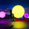 ゆらりと浮かぶ光の球体と音が創りだす幻想的なアート空間!『チームラボ 浮遊する、呼応する球体 – 名古屋城』期間限定開催