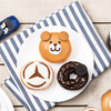 メルセデス・ベンツ コレクションで人気のベアがKKDJドーナツに! Mercedes me Tokyo HANEDA オープン3周年記念『3rd アニバーサリーベア』期間限定販売