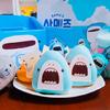 ゆるカワな「サメーズ」が愛らしいドーナツ&ゼリーポップに♡ 韓国「DUNKIN'DONUTS」にて『バカンスwithサメーズ』発売中
