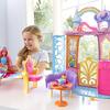 虹色スカートのバービーがカラフルなお城でくつろぐ♡  女の子の大好きが詰まった『バービー ドリームトピア レインボーのおしろ』新発売