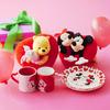 真っ赤なハートから顔を出すミッキー&ミニーが可愛い♡ ディズニーストアからバレンタインアイテムが登場!!