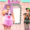 渡辺直美が紫色のふわふわヘアーでHinataとともにダンス☆ フォトジェニックドール『L.O.L. サプライズ!メイクオーバーシリーズ ヘアゴール』新商品&新CM発表会開催!!<レポ>