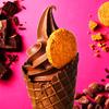 カカオ分70%のハイカカオチョコレートを使用♪『濃厚ソフトクリーム ザクザクビター ショコラ』「パックザック」エキア池袋店にて新発売!