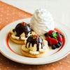 エッグベネディクトそっくりな見た目も可愛い♡ Eggs'n Things 名古屋PARCO店に『フルーツとバニラアイスのスイーツベネディクト』が限定登場