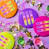 ポップなロゴと明るいカラーリングが魅力♪ 世界中で愛されるお菓子「mentos(メントス)®」とのアパレルコラボアイテムがWEGOにて発売中!