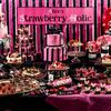 おてんばアリスのポップな世界をブラックやピンクで表現♡『アリスのストロベリーホリック デザートブッフェ』心斎橋セントグレースヴィラにて開催!
