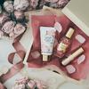 幸せな気分へとみちびくフレンチローズの香り♡ <フローラノーティス ジルスチュアート>から『Pink Kissed Roses』3アイテムが数量限定で発売!