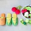 ブルーブルーエからぬいぐるみ「にこにこoyasai」シリーズが新発売!お野菜のキュートな笑顔に心癒される♡