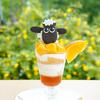 ひつじのショーンの世界観が楽しめるカフェに、夏季限定新メニューが登場!旬のマンゴーやピーチをふんだんに使ったパフェ&暑い夏に食べたいカレーも♪