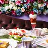 花をテーマにした「Flower Power Cafe(フラワーパワーカフェ)」が鎌倉にオープン!薔薇やプルメリアをトッピングしたパフェやケーキに、餡バタートーストも♪