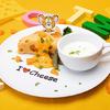 """『トムとジェリー』カフェが11月11日の「チーズの日」を記念して東京&大阪に期間限定でオープン!ジェリーの好物""""チーズ""""をテーマにした新メニューに、""""スパイク""""や""""タフィー""""をイメージしたメニューも♪"""