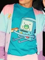 アドベンチャー・タイム × galaxxxy BMO Hotdog Tシャツの画像