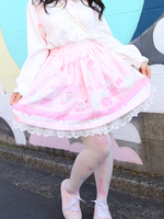 ほ乳びん柄スカートの画像