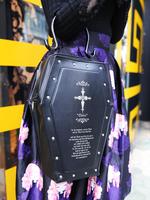 ビョウ棺バッグの画像